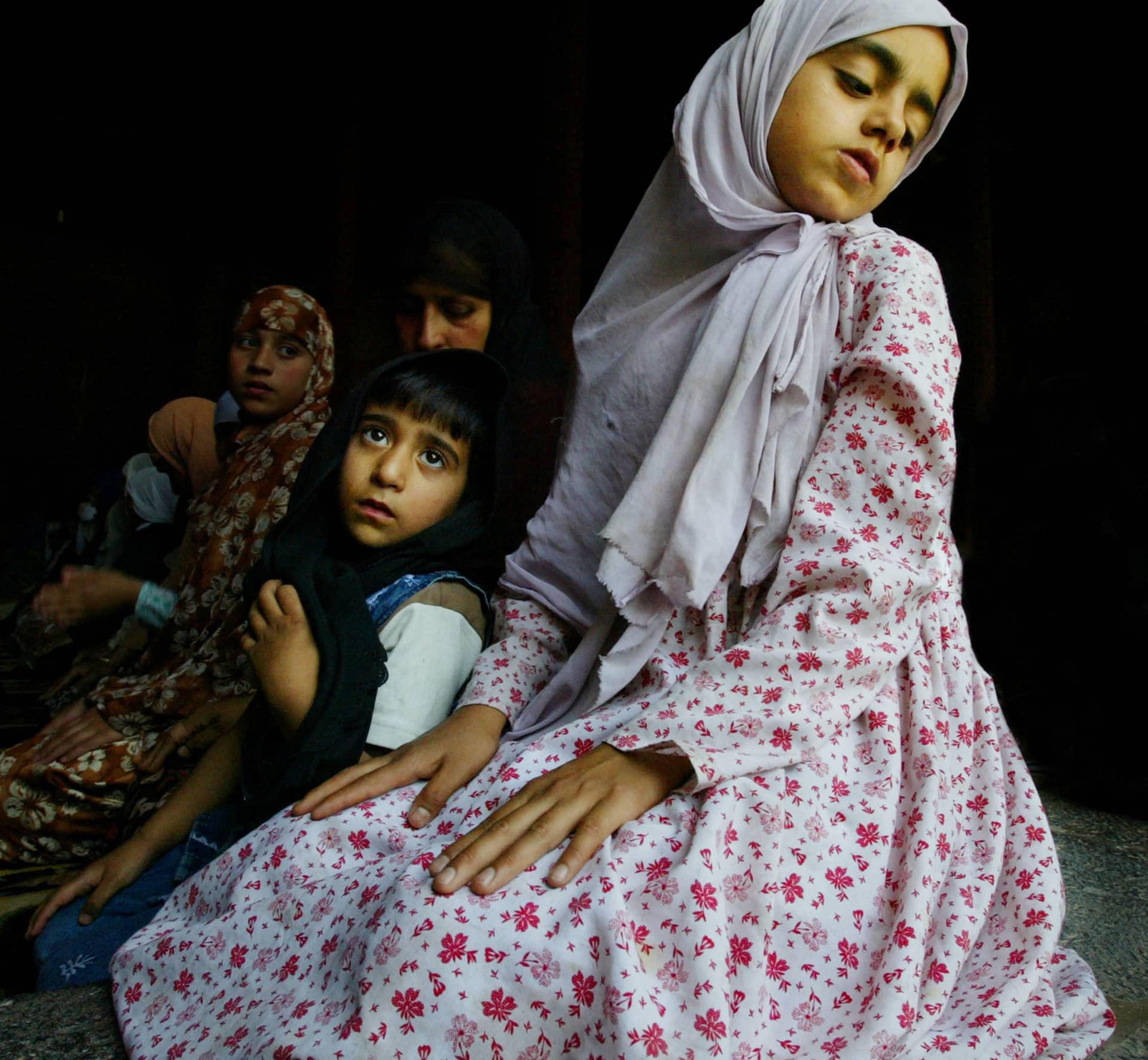 Muslim Women Pray In Kashmir